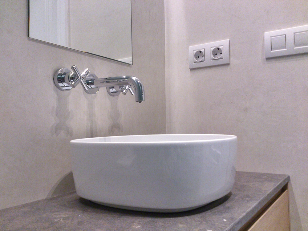 Jointless bathrooms, jointless wall coating plaster for luxury and modern wall finish.